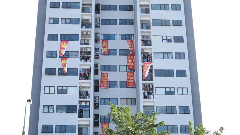 Cư dân Bảo Sơn 31 tầng đồng loạt treo biển bán nhà