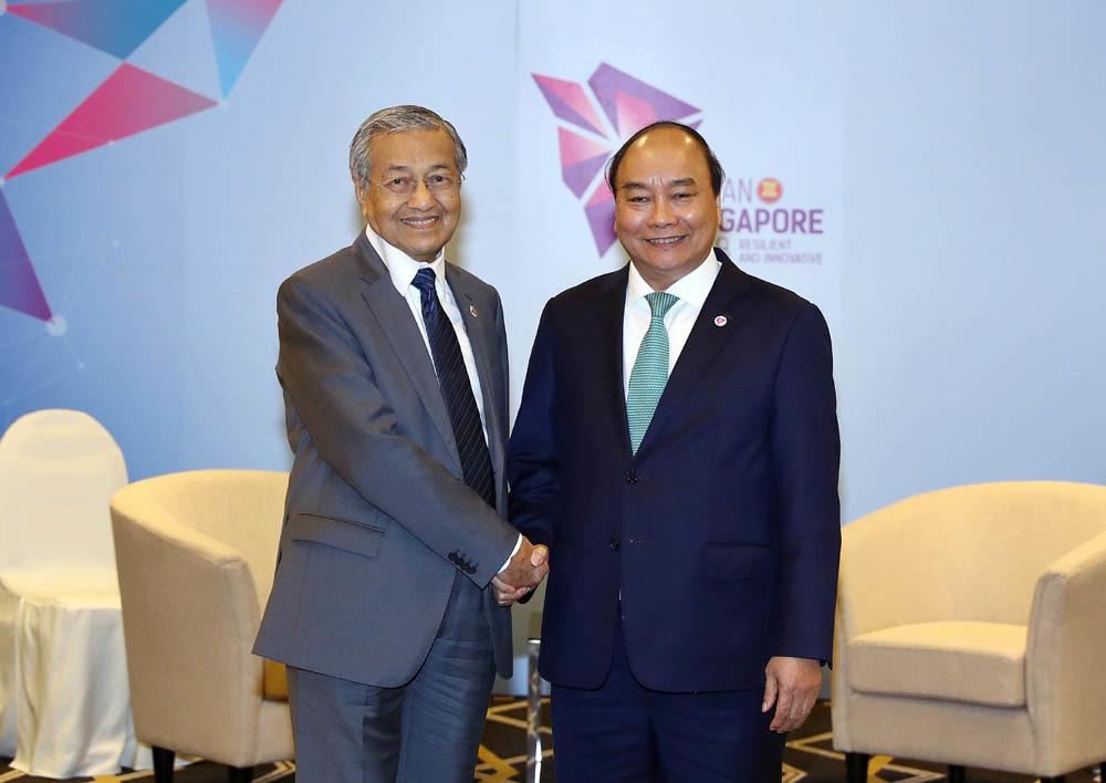 Thủ tướng hội kiến Quốc vương Brunei và Thủ tướng Malaysia