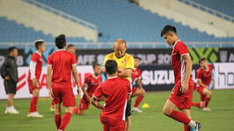 Thầy Park thờ ơ khi sao nhập tịch Malaysia chấn thương phút chót