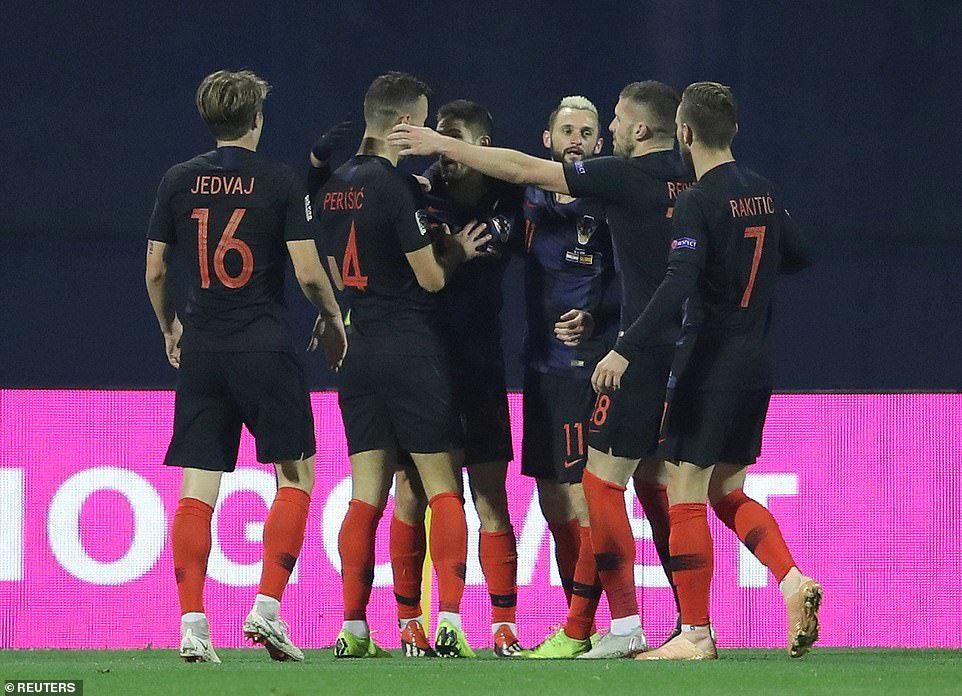 Croatia hạ Tây Ban Nha sau màn rượt đuổi siêu kịch tính