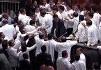 Nghị sĩ Sri Lanka ẩu đả giữa phiên họp quốc hội