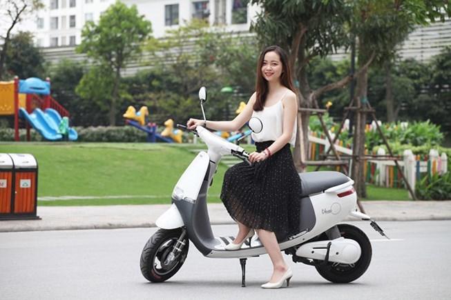 Ở đô thị nên lựa chọn xe máy điện hay xe máy xăng?