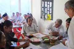 CLB liên thế hệ tự giúp nhau: Điểm tựa thoát nghèo của người cao tuổi