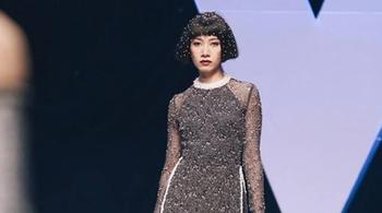 Người mẫu bức xúc vì Tuần thời trang chậm trả tiền, BTC lên tiếng