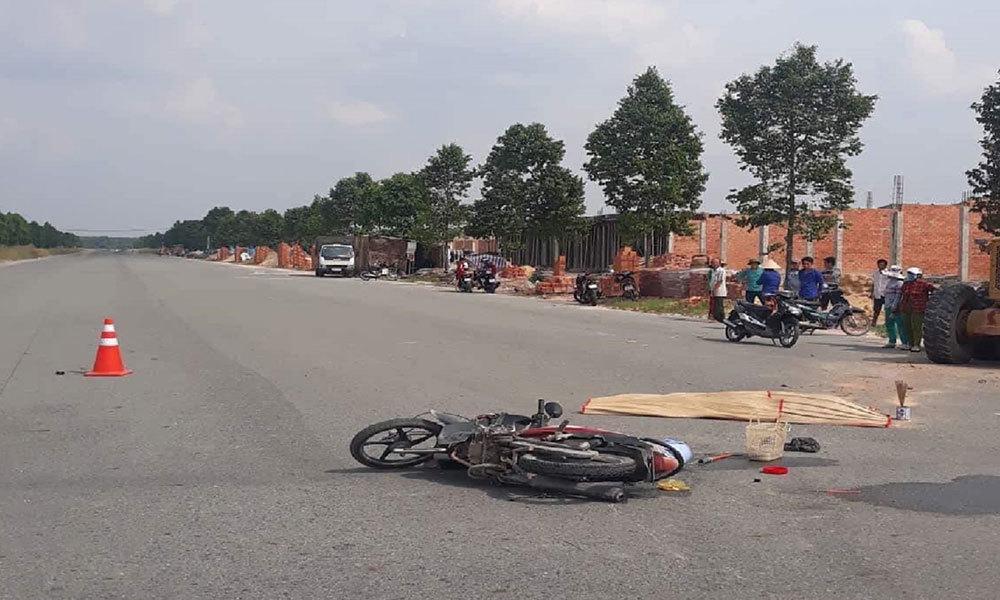 2 người phụ nữ chết thảm dưới bánh xe máy ủi
