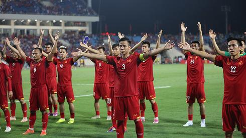 Tuyển Việt Nam ăn mừng điệu Viking sau chiến thắng trước Malaysia