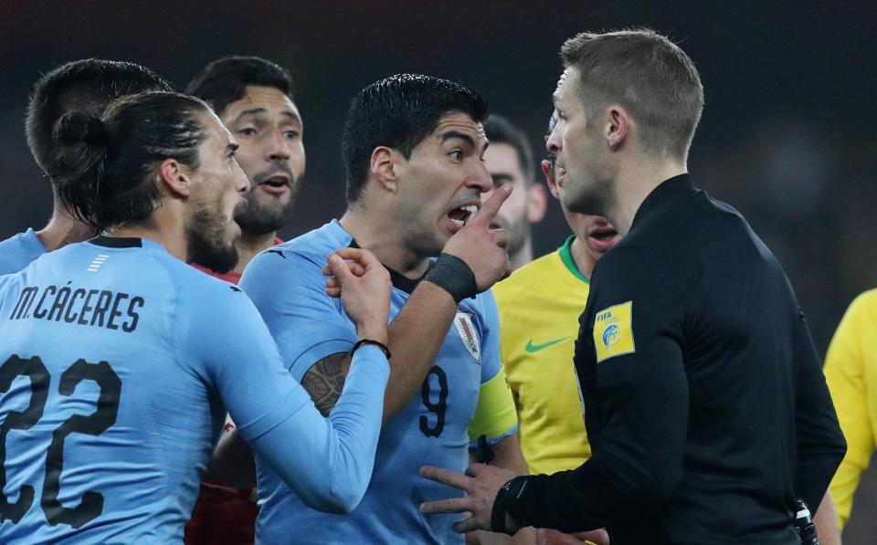 Neymar 'nổ súng', Brazil nhọc nhằn hạ Uruguay