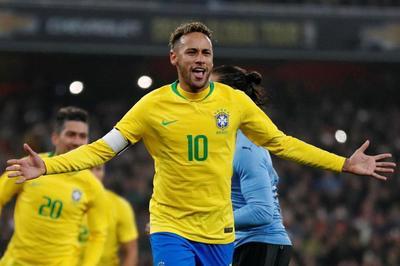 """Neymar """"nổ súng"""", Brazil nhọc nhằn hạ Uruguay"""
