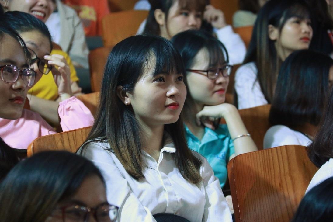 'Học sinh ngủ trước cả khi tôi bắt đầu bài giảng, vậy lỗi tại ai?'