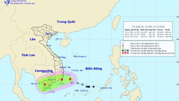 Bão khẩn cấp, gió giật cấp 10 trên Biển Đông