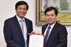 Trao nghị quyết bổ nhiệm Phó Chủ nhiệm VP Quốc hội