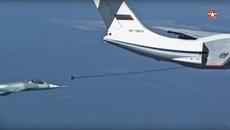 Xem chiến cơ tàng hình Nga tiếp nhiên liệu trên không