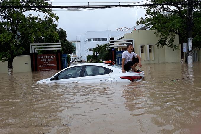 Nha Trang,Ngập lụt,bão số 8