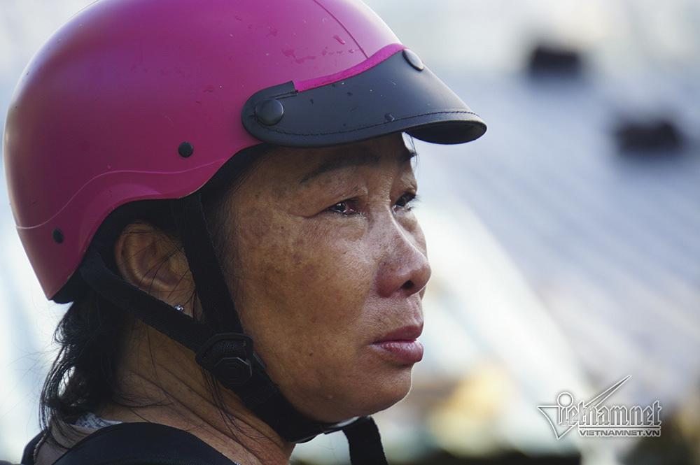 Nha Trang sạt lở: Ông bà bị vùi lấp, cháu kêu khóc không muốn về nhà