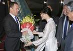 Hình ảnh đón Thủ tướng Nga Dmitry Medvedev tại sân bay Nội Bài