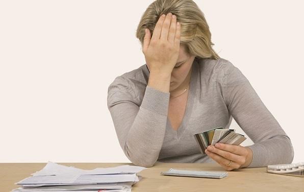 Bảo lãnh cho vay tiền: nguy cơ trở thành 'con nợ'