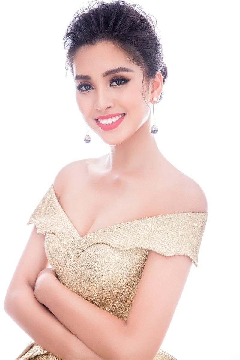 Bốn đầm dạ hội giúp khoe vẻ gợi cảm của Tiểu Vy ở Miss World 2018