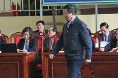 Bị cáo Phan Văn Vĩnh: Mua đồng hồ 7.000 USD từ tiền bán cây cảnh