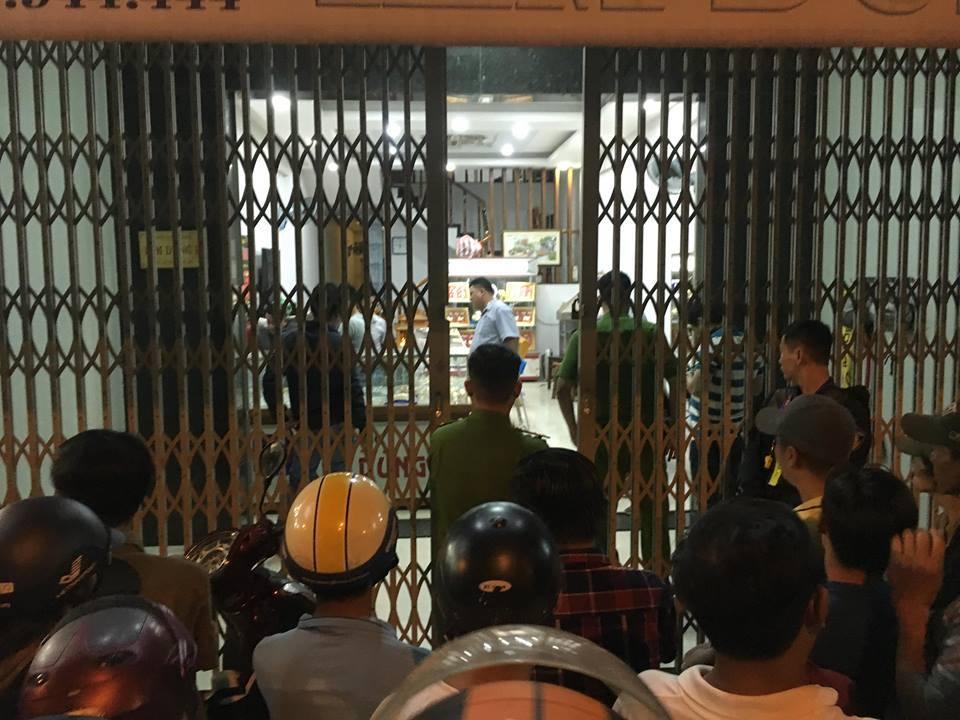 Quảng Nam: Nam thanh niên cầm búa xông vào cướp tiệm vàng