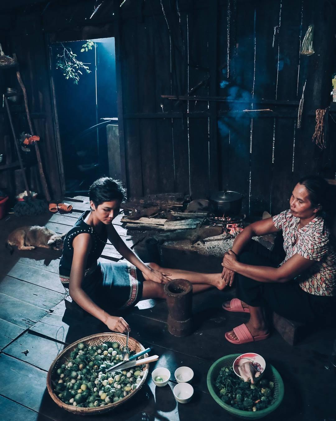 Hoa hậu H'Hen Niê kể về khó khăn thuở đầu lên Sài Gòn lập nghiệp
