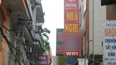 Bí mật bên trong khách sạn có 'ghế tình yêu' hút khách ở Hà Nội