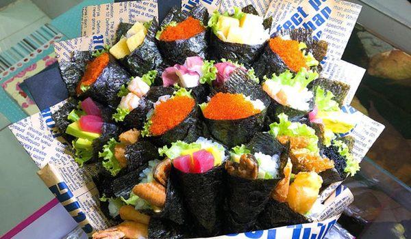 Phụ huynh chi gần chục triệu đồng mua bó hoa sushi tặng giáo viên