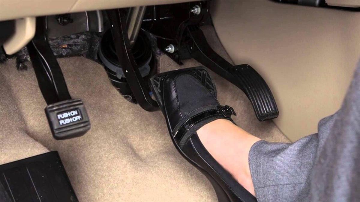 đạp nhầm chân ga,kỹ năng lái xe