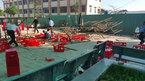 Sập giàn giáo ở trường ngày 20/11, 25 học sinh Sài Gòn bị thương