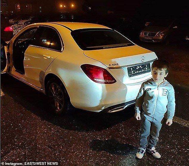 Cậu bé được tặng xe Mercedes sau khi... 'hít đất' hơn 4.000 cái