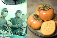 Ăn 10 trái hồng, người phụ nữ nhập viện cấp cứu vì tắc ruột