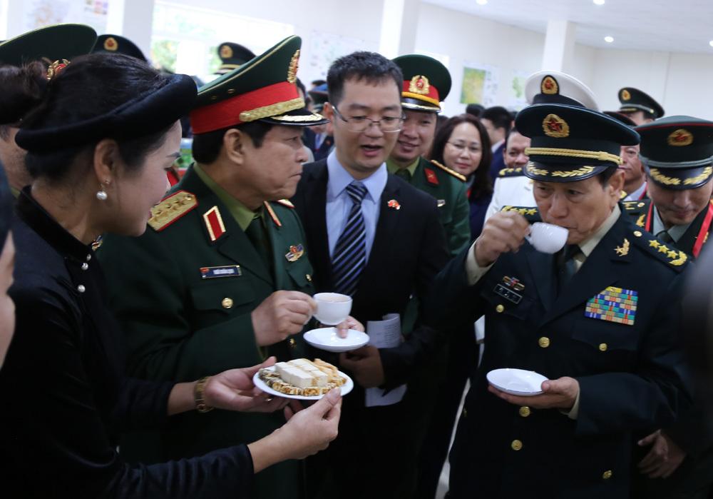 Bộ trưởng Quốc phòng,Ngô Xuân Lịch,giao lưu biên giới Việt-Trung