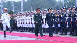 Lễ đón Bộ trưởng Quốc phòng Trung Quốc nơi cửa khẩu