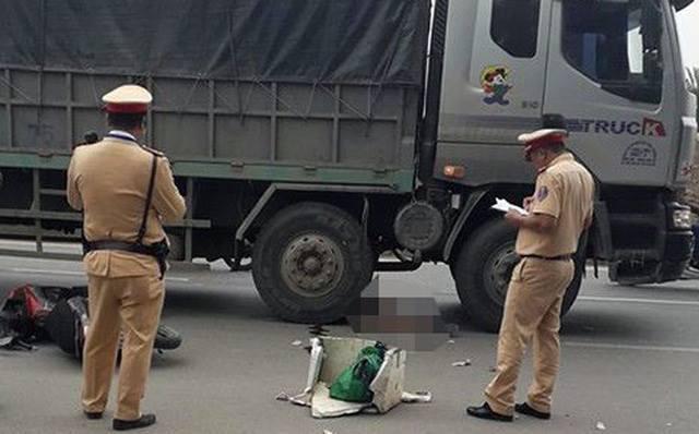 Hà Nội: Người đàn ông tử vong dưới gầm xe tải