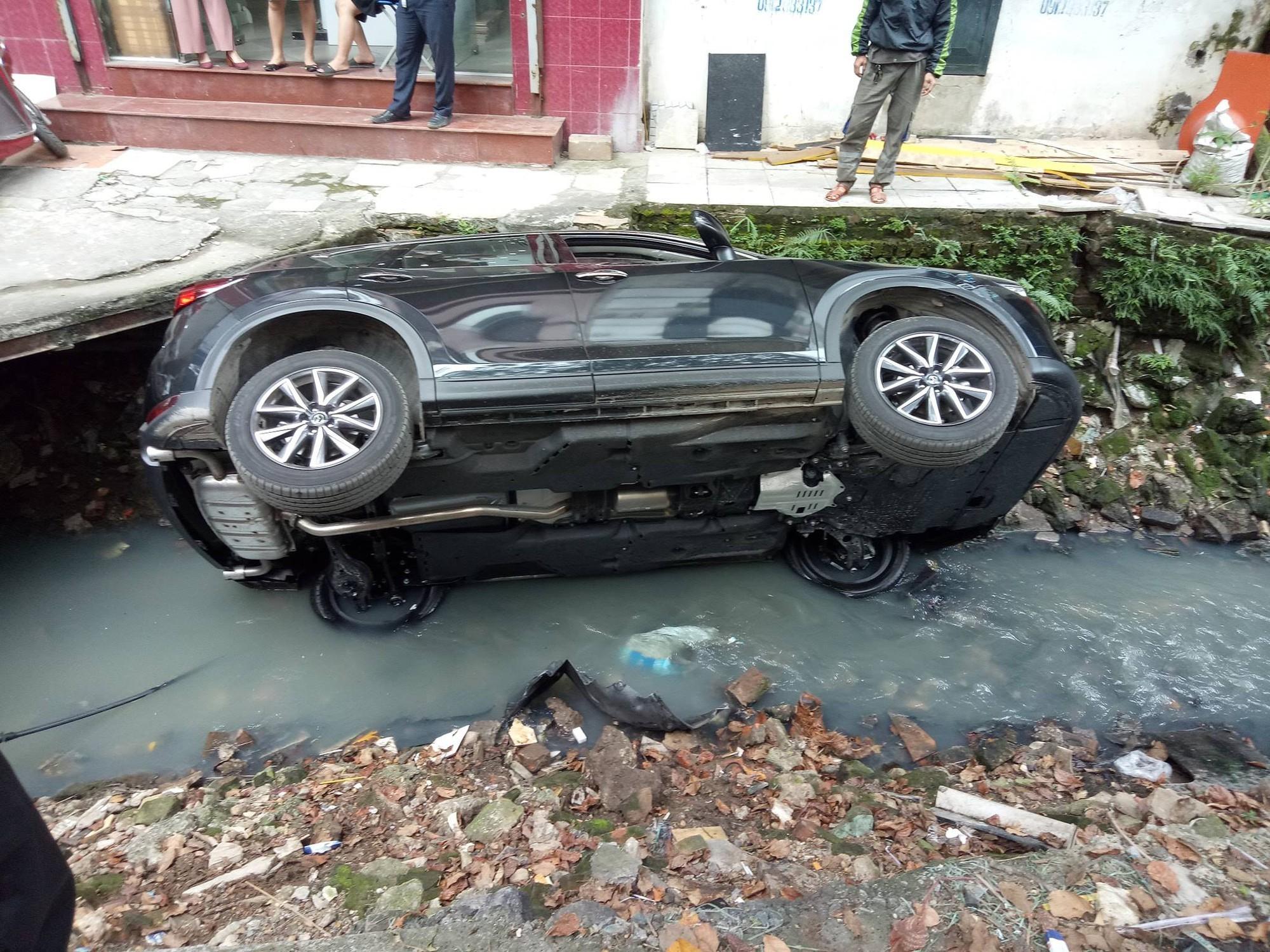 Mazda CX5,tai nạn giao thông