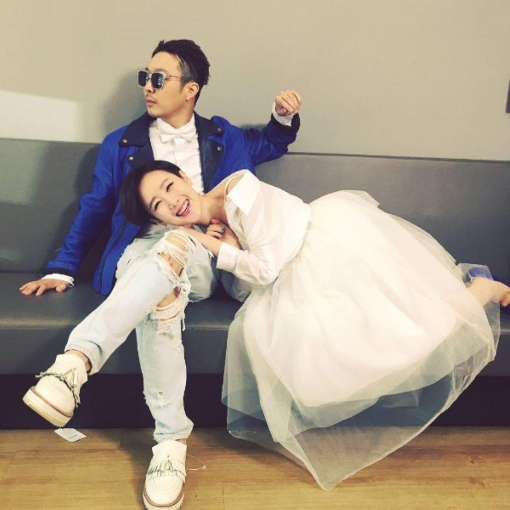 Cặp sao có hôn nhân viên mãn nhất showbiz Hàn sang Việt Nam