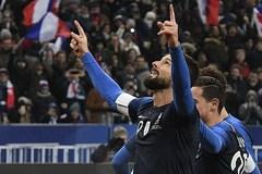 Giroud giúp Pháp đánh bại Uruguay