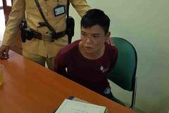 CSGT bắt kẻ cướp điện thoại của thiếu nữ trên phố Hà Nội