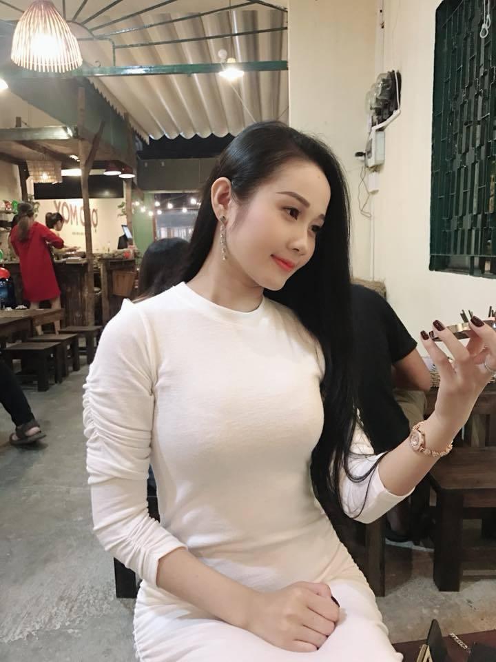 Chuyện ít biết về diễn viên múa nắm giữ trái tim cầu thủ Tiến Linh