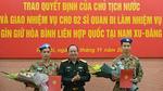 Trao quyết định của Chủ tịch nước cho 2 sĩ quan quân đội