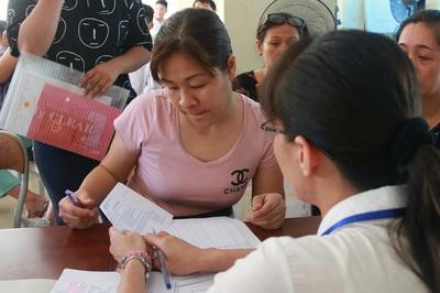 Hàng loạt trường ở Hà Nội đặt ra những khoản thu trái quy định