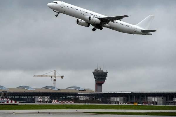 Máy bay đâm chết hành khách ở sân bay Moscow