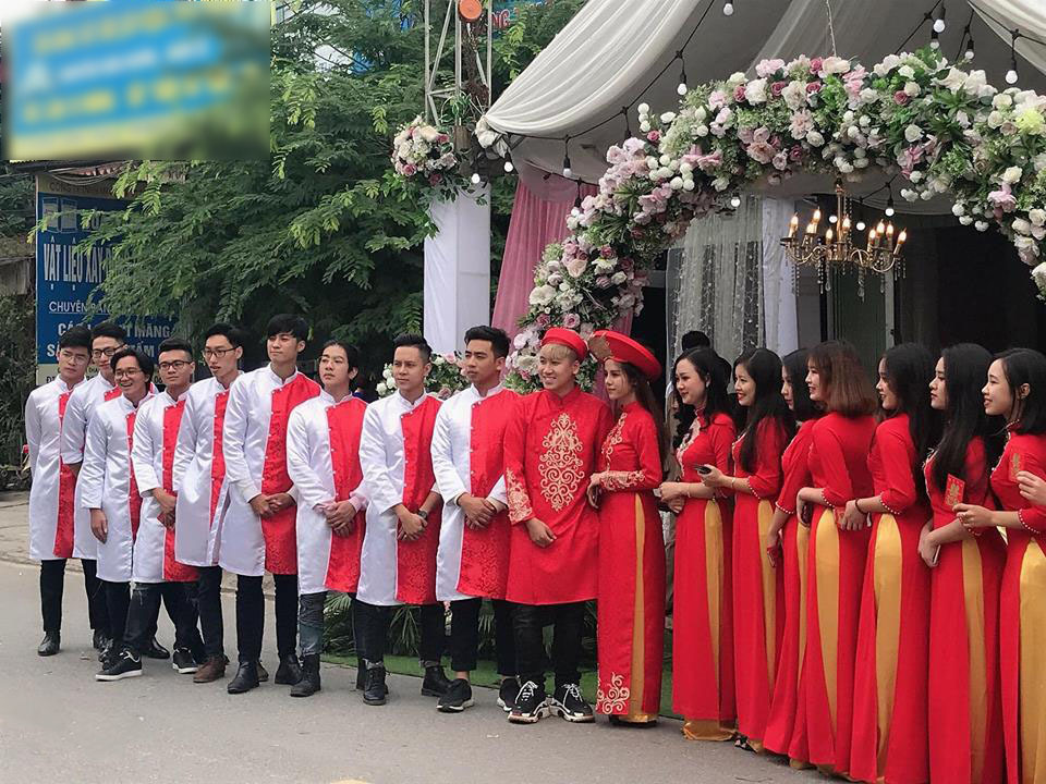 Ngày 22/11, Huy Cung đã đính hôn cùng bạn gái tạiPhú Thọ.