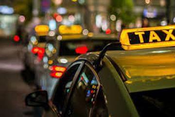 Taxi Hà Nội dự kiến chỉ còn ba màu xanh, ghi và bạc trắng
