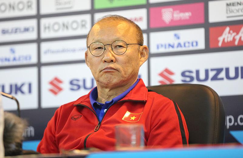 Thầy Park giải thích vì sao không bắt tay HLV Myanmar