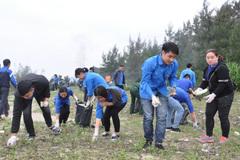 Sôi động chiến dịch làm sạch biển, bảo vệ môi trường Móng Cái
