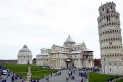 """Tháp nghiêng Pisa đang dần """"đứng thẳng"""""""