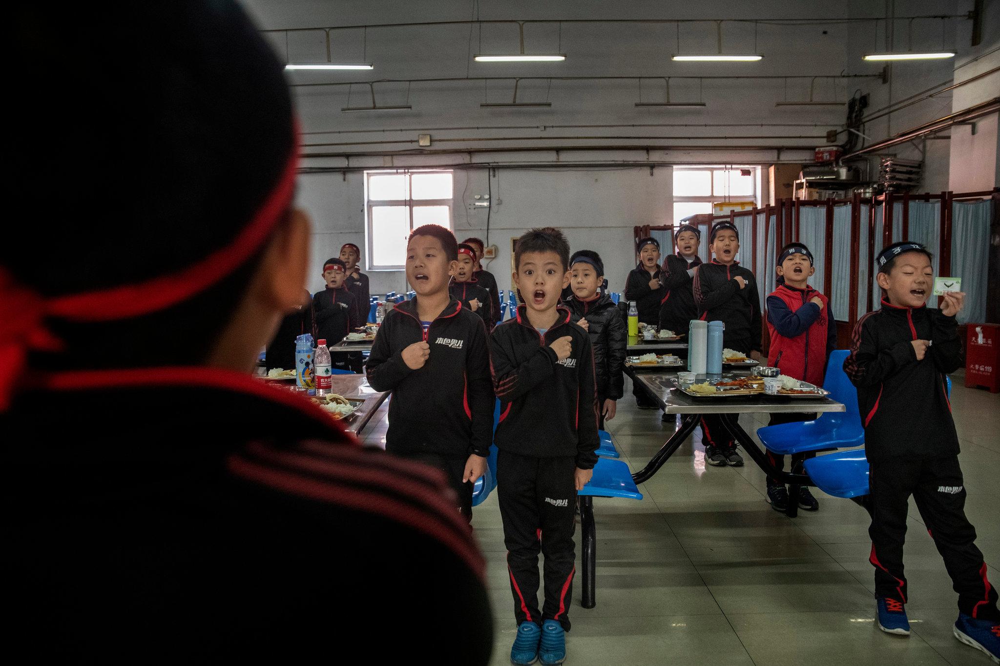 Ngôi trường đặc biệt dạy bé trai cách trở thành đàn ông thực thụ