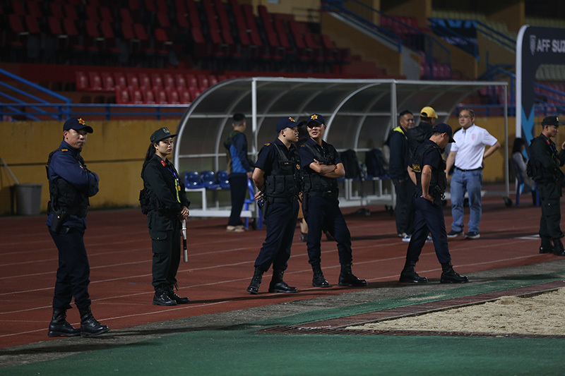 Thầy Park nhắc khéo phóng viên 'cách ly' cầu thủ Việt Nam