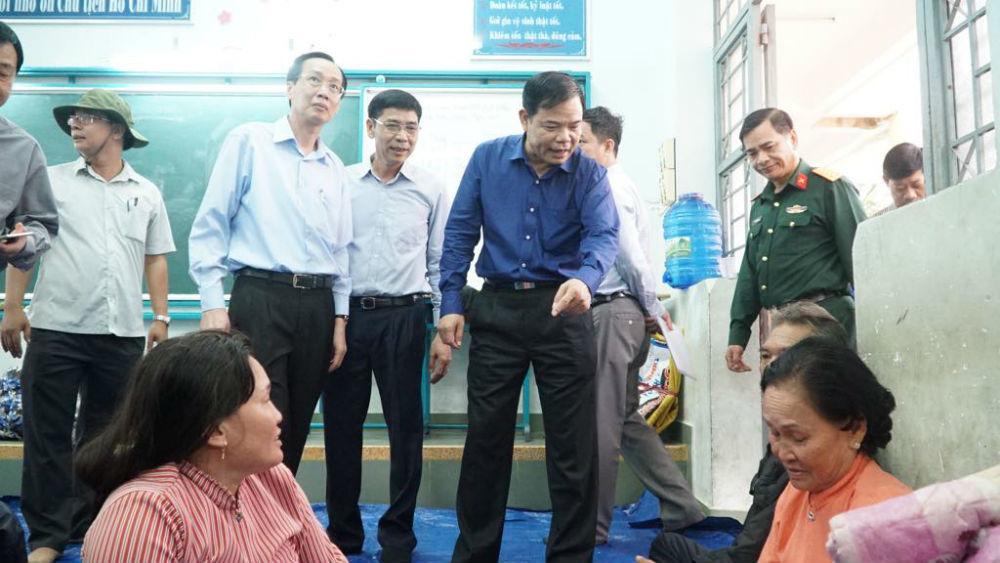 Bộ trưởng Nông nghiệp xuống Cần Giờ chỉ đạo chống bão số 9