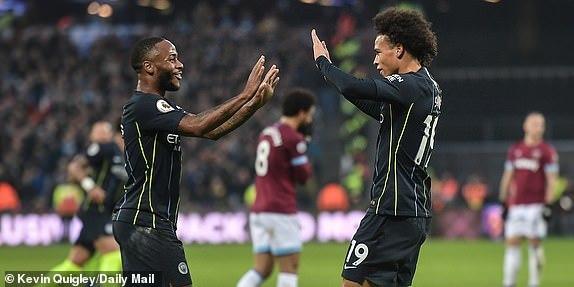 Hủy diệt West Ham, Man City giữ vững ngôi đầu